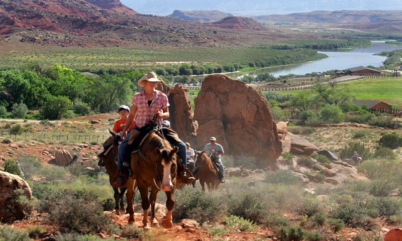 Red Cliffs Lodge Horseback Riding